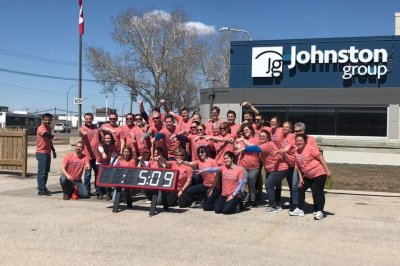 Canadian company breaks Guinness record for high fives