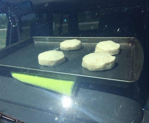 National Weather Service bakes biscuits in hot car