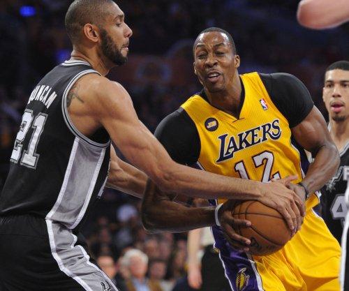 Los Angeles Lakers to work out Dwight Howard, Joakim Noah