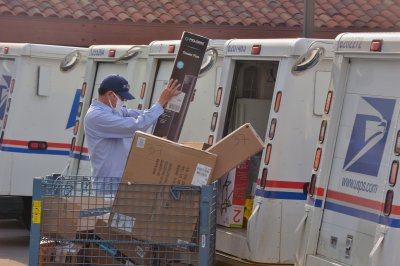 Senate Democrats find prescription deliveries delayed by USPS changes