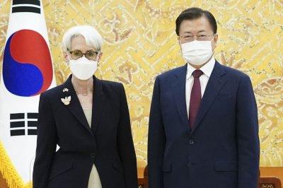 Moon Jae-in asks for U.S. diplomatic push on North Korea