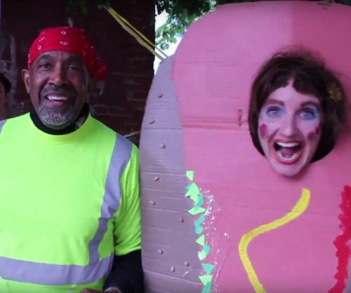 'Happy Trash Day' artist runs for Philadelphia mayor as character Soxx