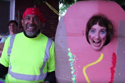 'Happy Trash Day' artist runs for Philadelphia mayor as character Soxx
