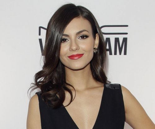 'Rocky Horror Picture Show' remake casts Victoria Justice