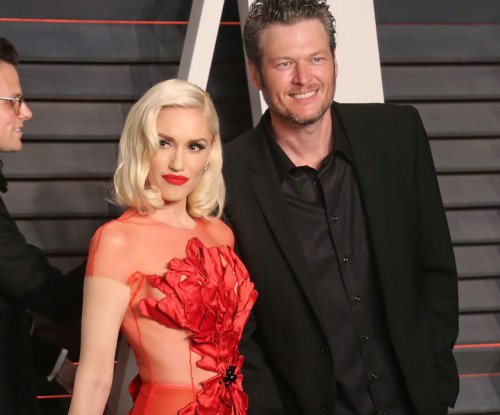 Blake Shelton calls Gwen Stefani 'hot' on 'The Voice'
