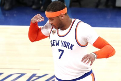 New York Knicks' Carmelo Anthony replaces injured Kevin Love on All-Star roster