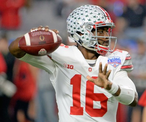 J.T. Barrett throws five touchdowns as No. 10 Ohio State buries UNLV