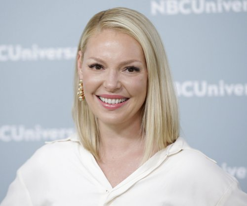 Katherine Heigl apologizes for cemetery photos: 'It was not appropriate'