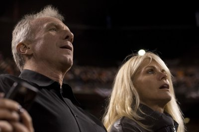 Hall of Fame QB Joe Montana, wife prevent attempted kidnapping of grandchild