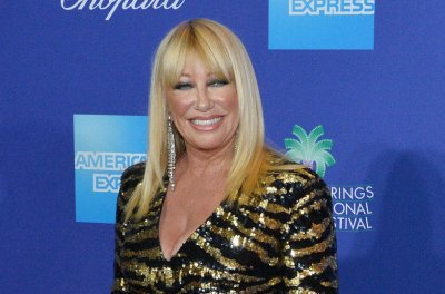 Suzanne Somers 'on the mend' after fall, neck surgery