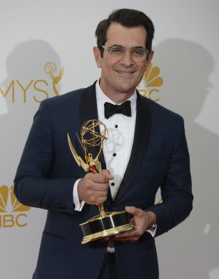 'Modern Family' wins Emmy Award for Best Comedy