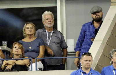 Leonardo DiCaprio sports beard at quarter finals of U.S. Open
