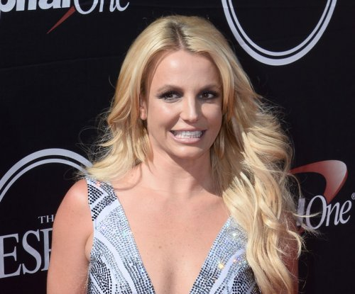 Britney Spears to remain under conservatorship