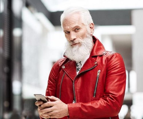 Toronto mall has younger, thinner 'Fashion Santa'