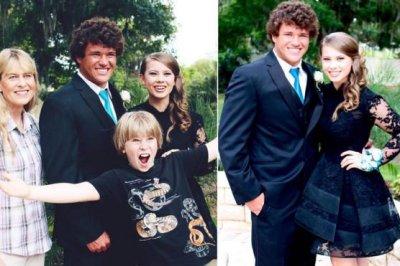 Bindi Irwin posts prom photo with Chandler Powell