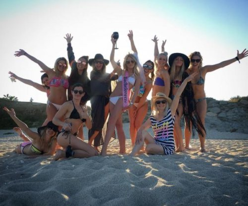 Julianne Hough kicks off bachelorette party weekend