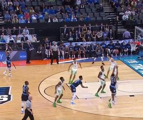 NCAA: Tyler Dorsey 3-pointer rescues No. 3 seed Oregon against Rhode Island