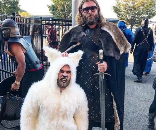 Washington Nationals' Bryce Harper, Jayson Werth dress up like direwolf, Jon Snow