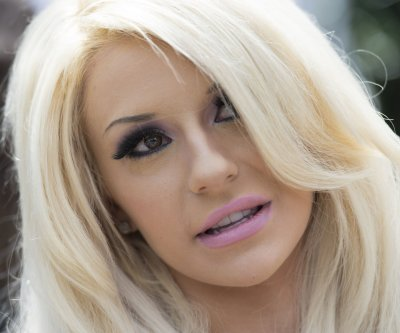 Courtney Stodden finalizes divorce 3 years after split