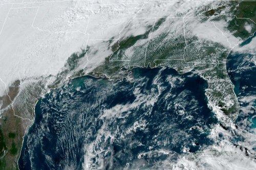 Tropical Storm Zeta strengthens into a on path toward U.S.