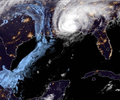 Hurricane Zeta moves through Alabama, Mississippi