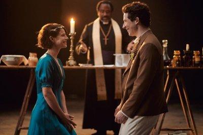 Jessie Buckley, Josh O'Connor's 'Romeo & Juliet' show goes on despite pandemic