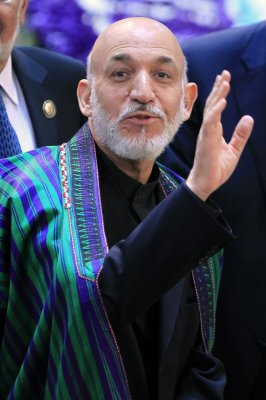 Karzai orders his troops to control prison