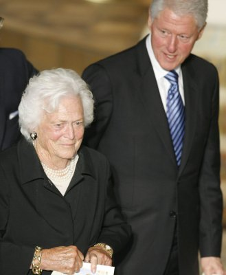 Former first lady Barbara Bush hospitalized for respiratory ailment