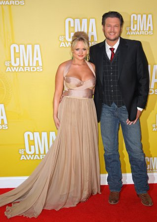 Shelton and Lambert win big at CMAs