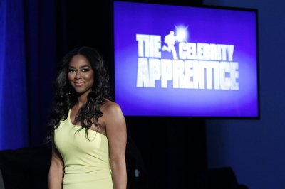 Vivica A. Fox accuses Kenya Moore of stealing her phone on 'Celebrity Apprentice'