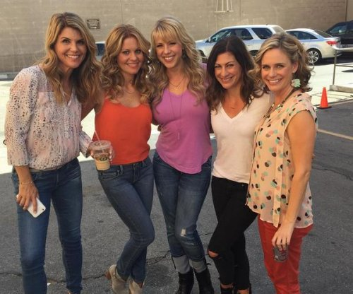 Jodie Sweetin shares new photos from 'Fuller House' set