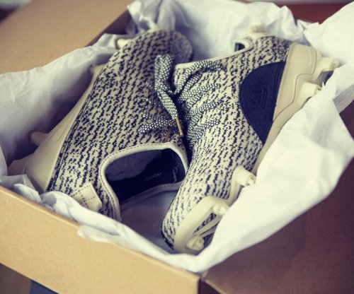 DeAndre Hopkins, Sammy Watkins, Adrian Peterson get Yeezy cleats