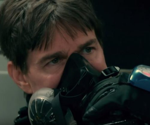 Tom Cruise details death-defying HALO jump in 'Mission: Impossible'