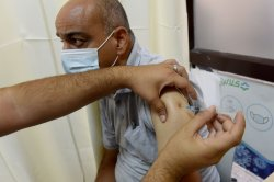 Combo shot for COVID-19, flu vaccines under development