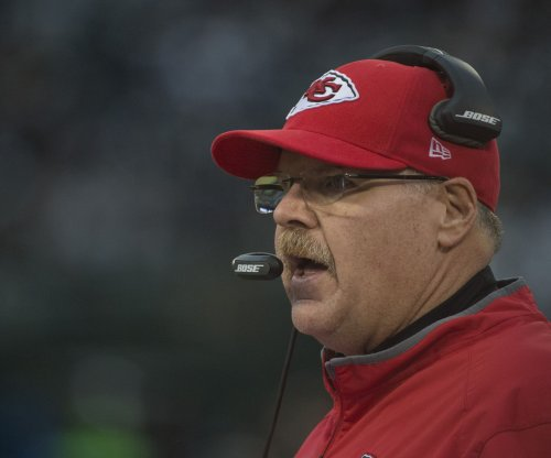 Andy Reid: Doug Pederson not taking coaches to Philadelphia Eagles