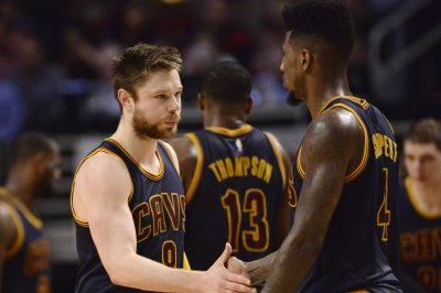 Cleveland Cavaliers G Iman Shumpert to miss final two games