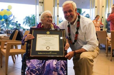 94-year-old woman graduates college with a perfect GPA