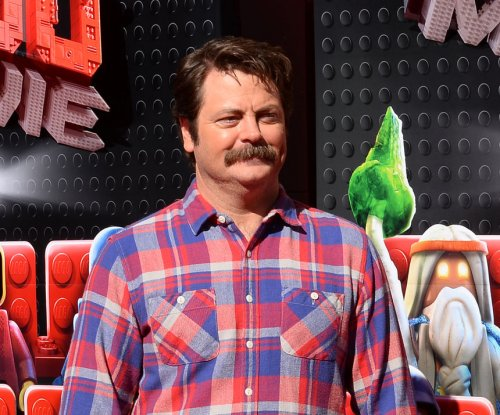 Amy Poehler, Nick Offerman to host 'Handmade Project' competition show