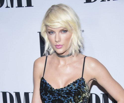 Taylor Swift shares Spotify playlist of her favorite songs