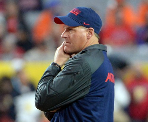 Former Arizona Wildcats coach Rich Rodriguez receives second complaint notice