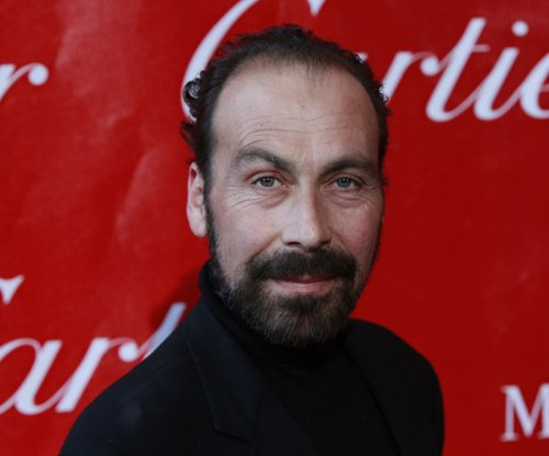 Late comedian Taylor Negron praised by Billy Crystal, Sherri Shepherd