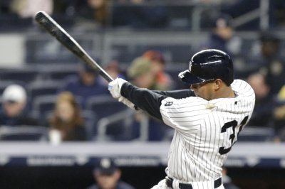 Aaron Hicks' go-ahead homer guides New York Yankees past New York Mets