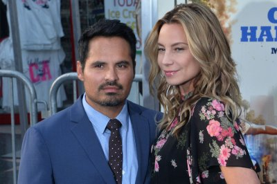 Michael Pena to star in 'Dora the Explorer' live-action film