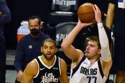 Luka Doncic scores 42, Mavericks take series lead vs. Clippers