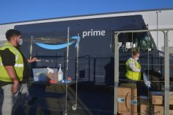 Amazon to hire 150K seasonal workers, offer $3,000 signing bonuses