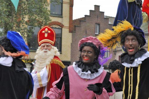Afro-Swedish group objects to Santa's blackface helper