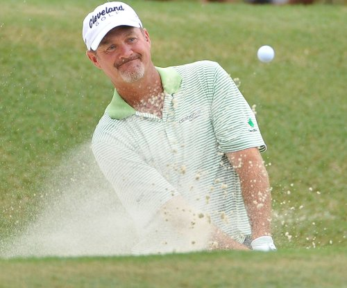 Jerry Kelly among 4 tied for CareerBuilder Challenge lead