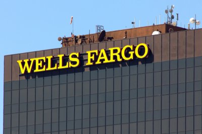 Wells Fargo withholding top executive bonuses following scandal
