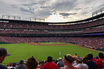 Houston Astros hold off Texas Rangers for ninth straight win