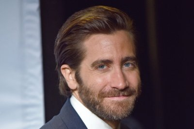 Jake Gyllenhaal stars as caring father in Calvin Klein ad